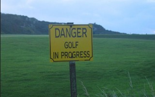 golf warning sign